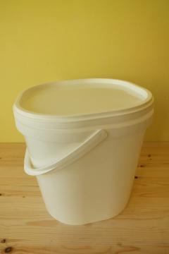 plastova-nadoba-pod-medomet-14-kg_341_400.jpg