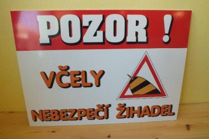 tabule-velka-pozor-vcely_698_613.jpg