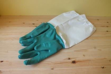 vcelarske-rukavice-gumove-c-11_1411_1282.jpg